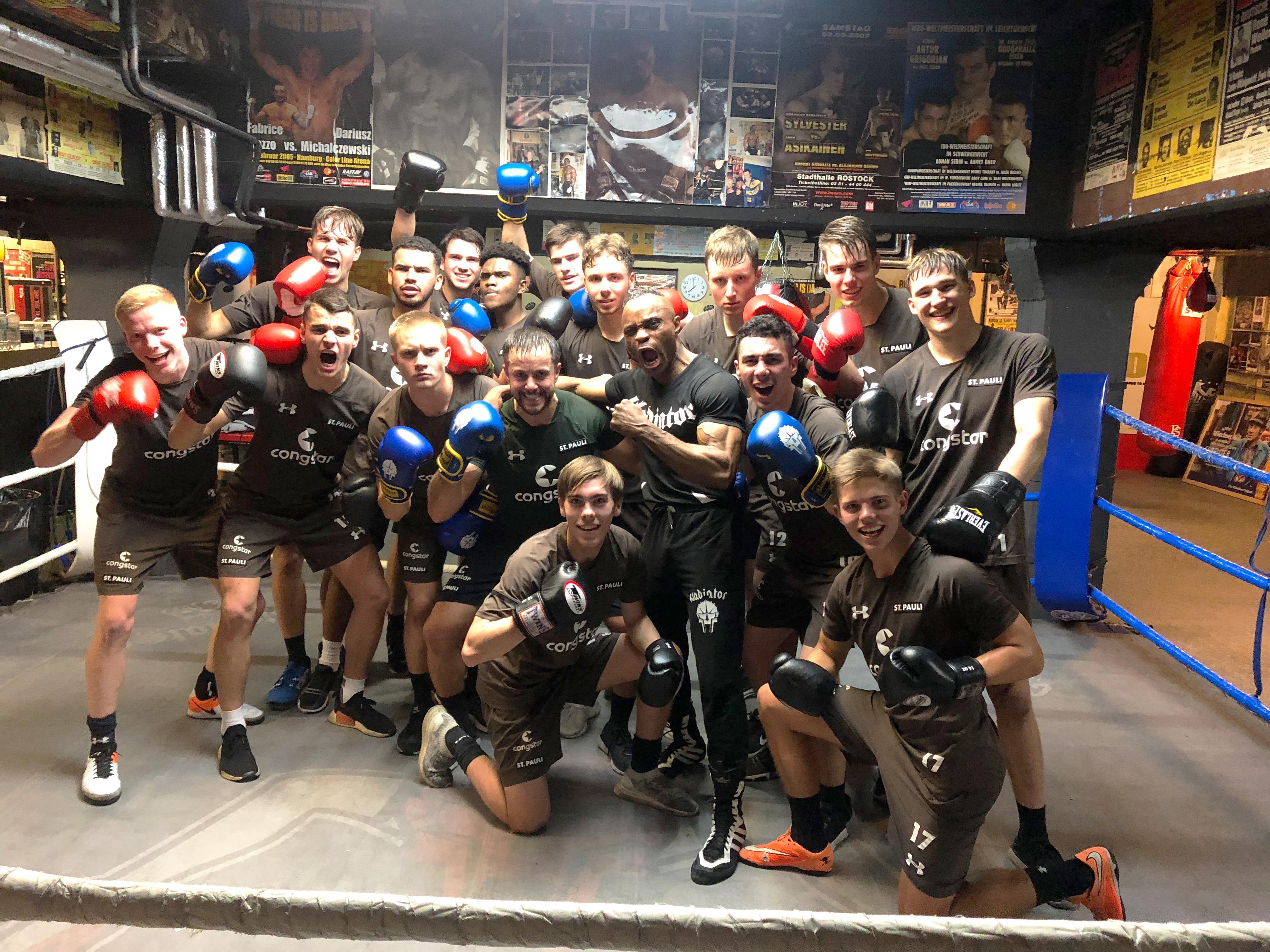 U19 geht über ihre Grenzen – Willensschulung im Boxring