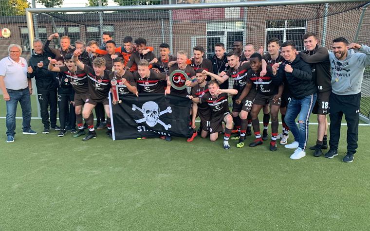 Double perfekt! Die U16 gewinnt 2:1 im U17-Pokalfinale gegen Germania Schnelsen