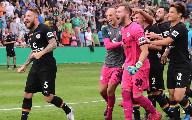 Pokal-Schwung mitnehmen – Kiezkicker zu Gast beim VfB Stuttgart