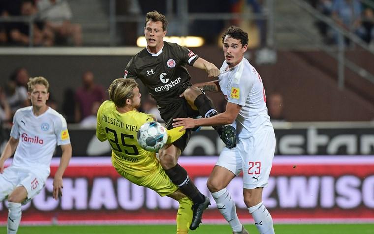 Infos zum Kartenverkauf für Auswärtsspiele in Fürth und Kiel