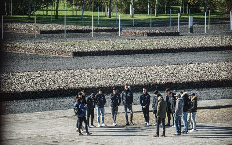 """NLZ-Kiezkicker an der KZ-Gedenkstätte in Neuengamme: """"Hat Eindruck hinterlassen"""""""