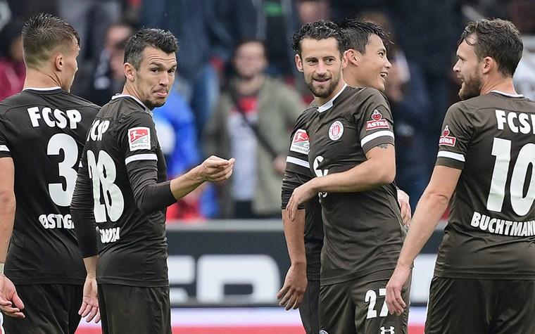Testspiel gegen Werder Bremen: registrieren, spielen und feiern