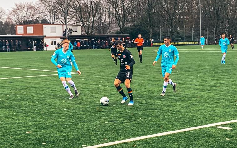 U17 verliert nach zweifacher Führung in Bremen - U15 siegt zum Jahresabschluss