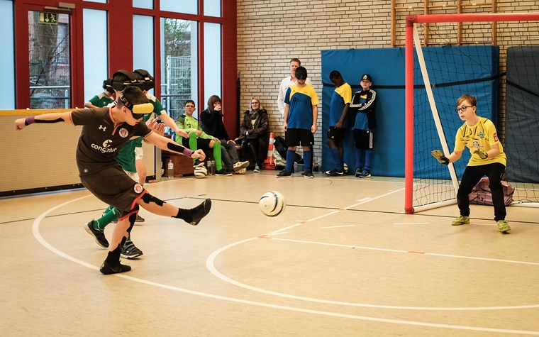 Erstes Mini-Blindenfußball-Turnier für Kinder und Jugendliche