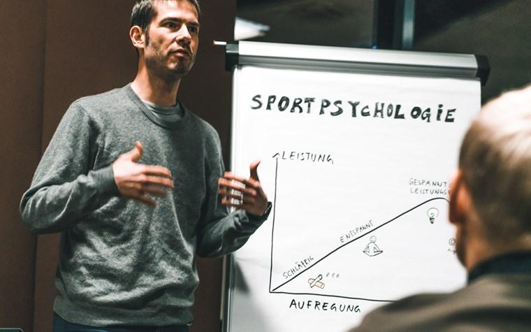 Sportpsychologie im NLZ: Das Spiel, das im Kopf stattfindet