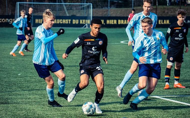 U19 in Hannover einen Schritt hinterher - U17 unterliegt Team der Stunde