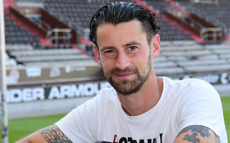 Jan-Philipp Kalla wird Markenbotschafter der FC St. Pauli Rabauken