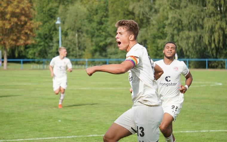 """Derbysieger! Die U17 siegt klar gegen die """"Rothosen"""" - U19 bezwingt Union zum Auftakt"""