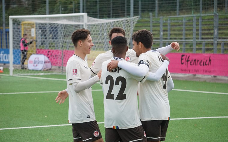 Auswärtssieg im Stadion Hoheluft: U23 enttrohnt Tabellenführer Teutonia 05