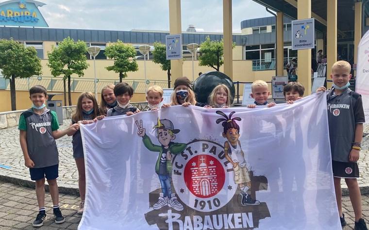 Sommerferienprogramm des Rabauken-Clubs mit Verkehrstraining, Minigolf, Stand Up Paddling und vielem mehr