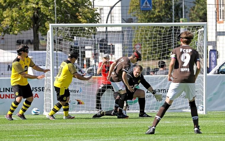 4:0 gegen den BVB: Blindenfußballteam verteidigt Tabellenführung