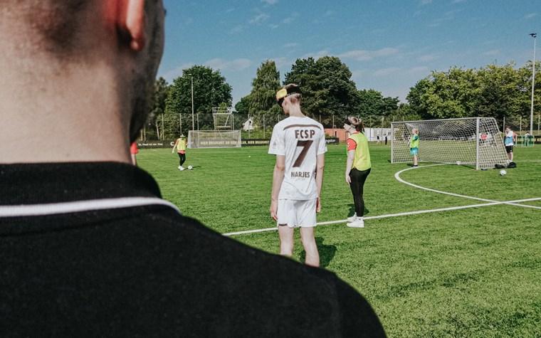 """""""Klingeling"""", hier kommt der Fußball!"""