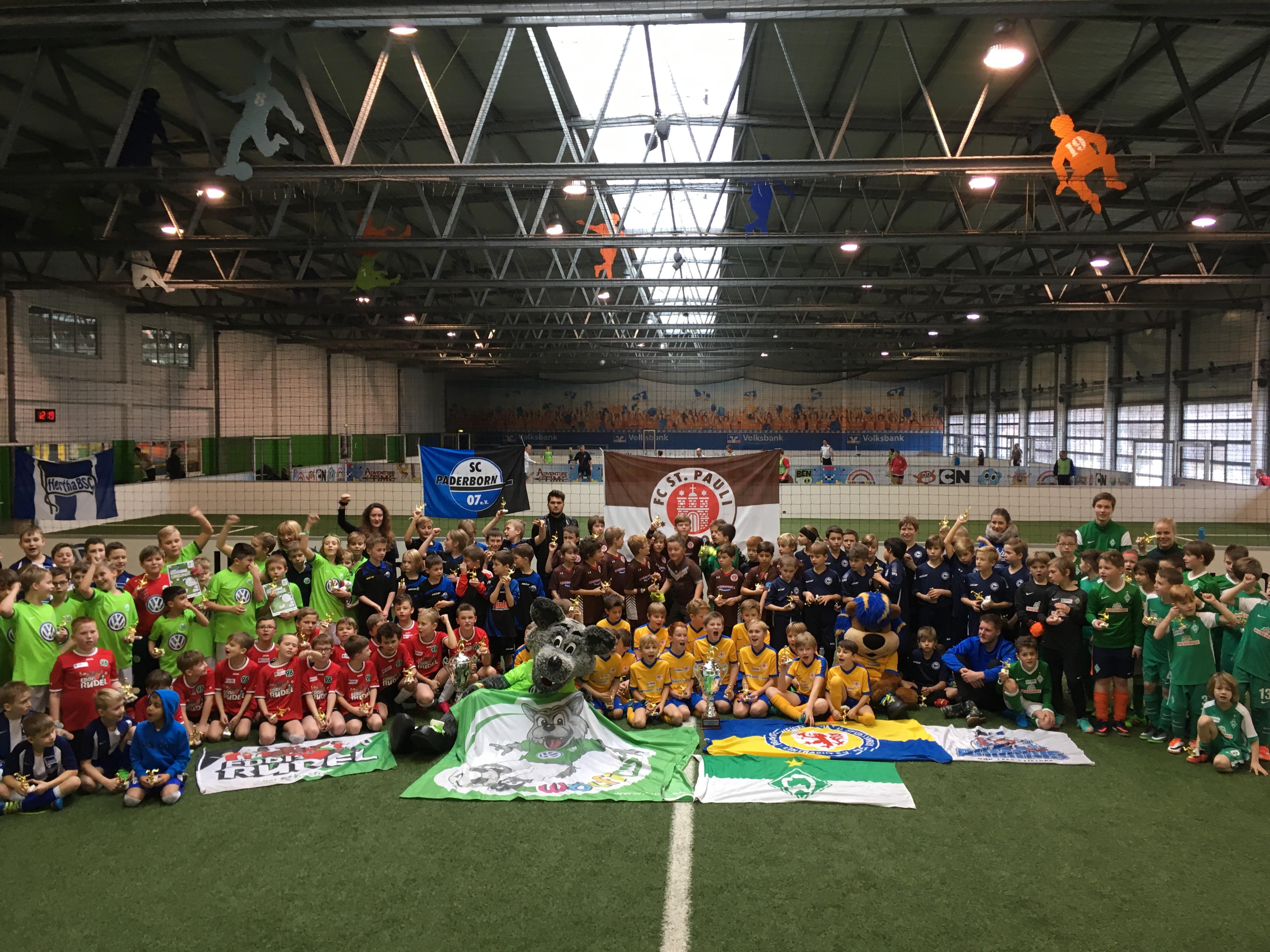 FC St. Pauli Rabauken erobern die Kids-Club Meisterschaft in Wolfsburg