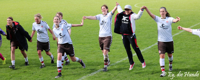 1:0 gegen DuWo 08 - 1. Frauen gewinnen Hamburger Derby