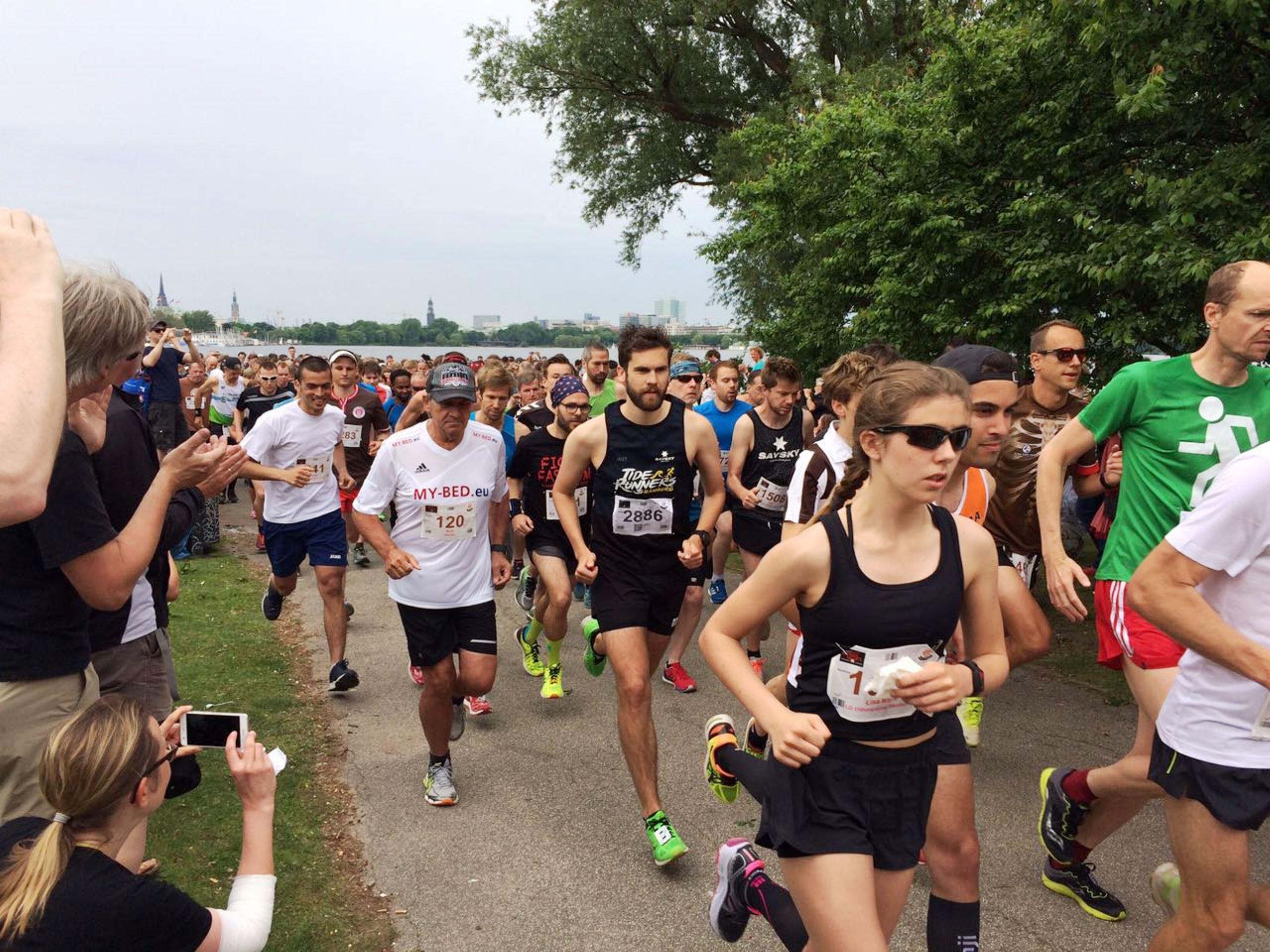 Lauf gegen Rechts: 2.500 Läuferinnen und Läufer setzen Zeichen gegen Fremdenhass