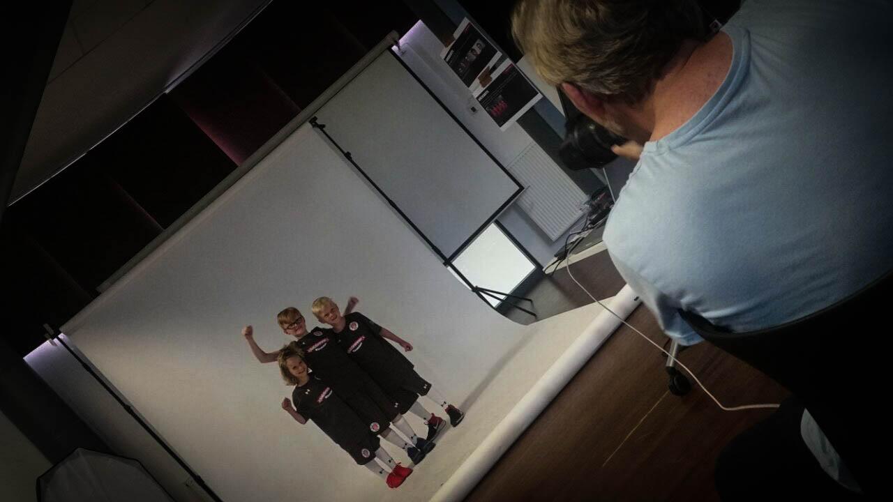 Rabauken-Trio beim Autogrammkarten-Shooting