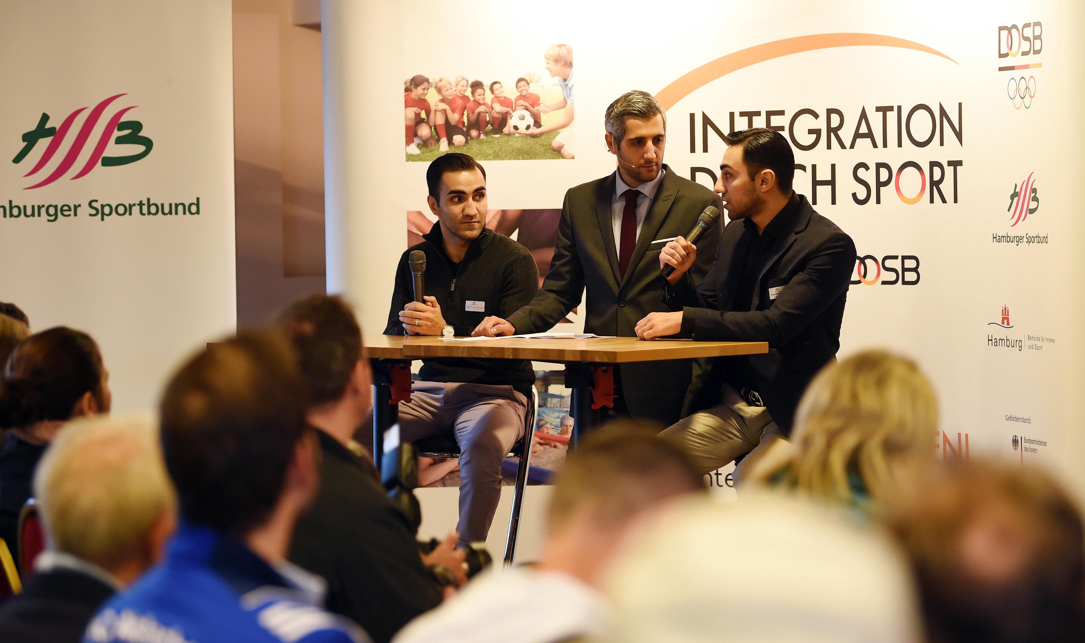"""""""Sport und Flüchtlinge"""" – Jahresabschluss-Dialogforum am Millerntor"""