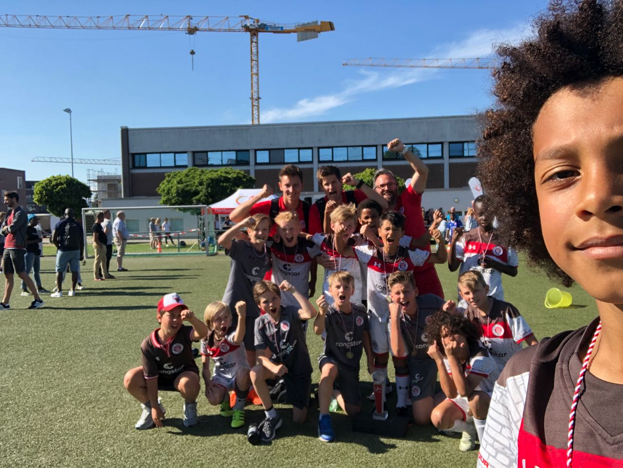 U17 trennt sich 2:2 von Eintracht Braunschweig - U10 und  U11 Pokalsieger