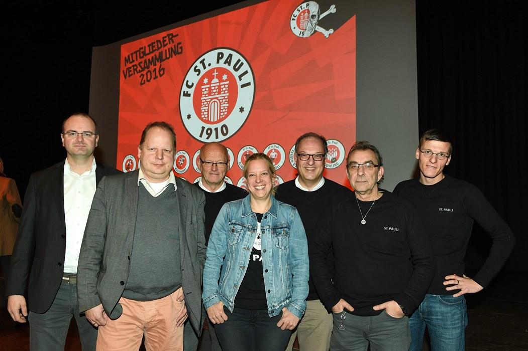 V.l.n.r. Sönke Goldbeck, Dr. Kai Scharff, Karsten Meincke, Sandra Schwedler, Marcus Schulz, Roger Hasenbein und Gerrit Onken