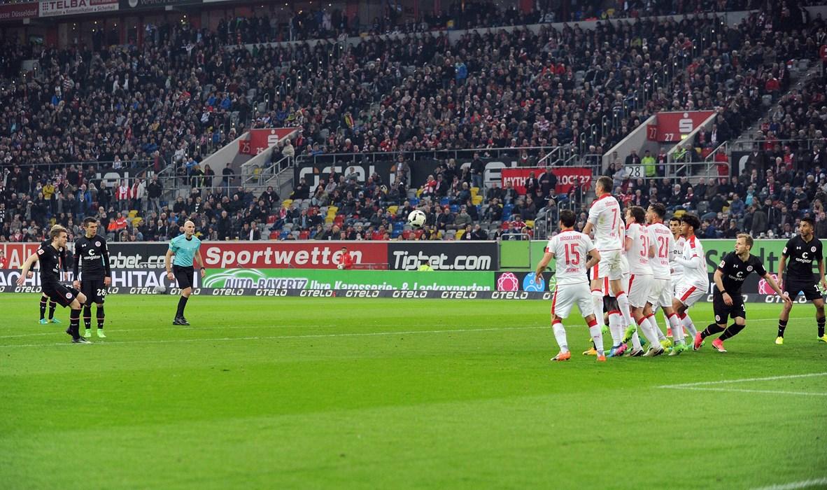 Beim Sieg gegen Fortuna Düsseldorf schlugen die Kiezkicker in der Schlussphase gleich dreimal zu. Christopher Buchtmann erzielte mit einem direkt verwandelten Freistoß das zwischenzeitliche 2:1. Kurz zuvor traf Philipp Ziereis zum 1:1, kurz vor dem Abpfiff Aziz Bouhaddouz zum 3:1-Endstand.