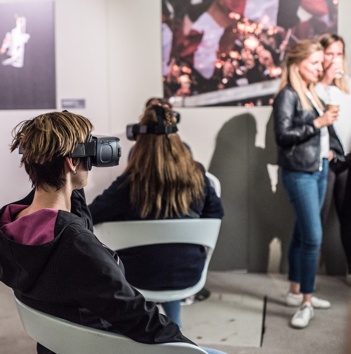 """In der 3D-Lounge konnten Besucher in den """"Cyberspace"""" eintauchen und vergangene Ausstellungen dreidimensional erleben."""