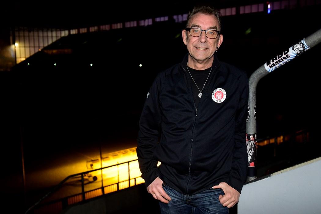Roger Hasenbein (60), Straßensozialarbeiter, Vereinsmitglied seit 1998, Abteilung: Fußball-Herren, Aufsichtsratsmitglied seit 2007, aus Hamburg