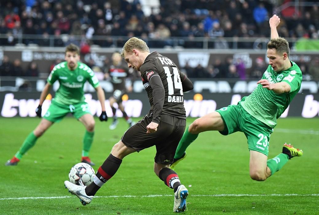 Beim 2:0-Heimsieg gegen Fürth brachte Mats Møller Dæhli eine perfekte Flanke in die Mitte, dort vollendete Ryo Miyaichi per Kopf.