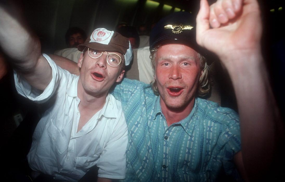 Stefan Studer (li.) und Volker Ippig (re.) feiern den Aufstieg 1988. Doch der Klassenerhalt 1989 war eine mindestens ebenso große Sensation.