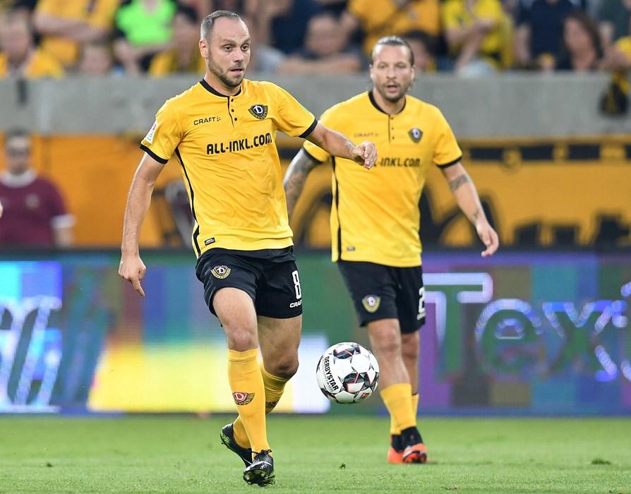 Der Mittelfeldspieler absolvierte bislang für Erzgebirge Aue, die Würzburger Kickers und Dynamo Dresden 125 Zweitligaspiele (14 Tore) sowie für Würzburg und die Zweitvertretung von Borussia Dortmund 72 Spiele in der 3. Liga (12 Tore).