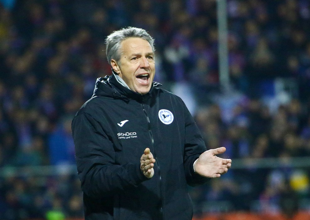 Unter Cheftrainer Uwe Neuhaus läuft es bei Bielefeld. Im Kalenderjahr 2019 holte nur Spitzenreiter Köln (21) mehr Punkte als die Arminia (20).