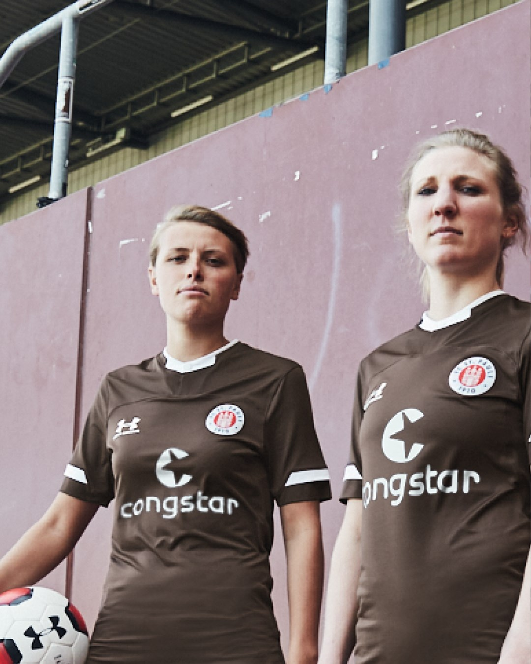 Ann-Sophie Greifenberg and Lena Kattenbeck in the new home shirt