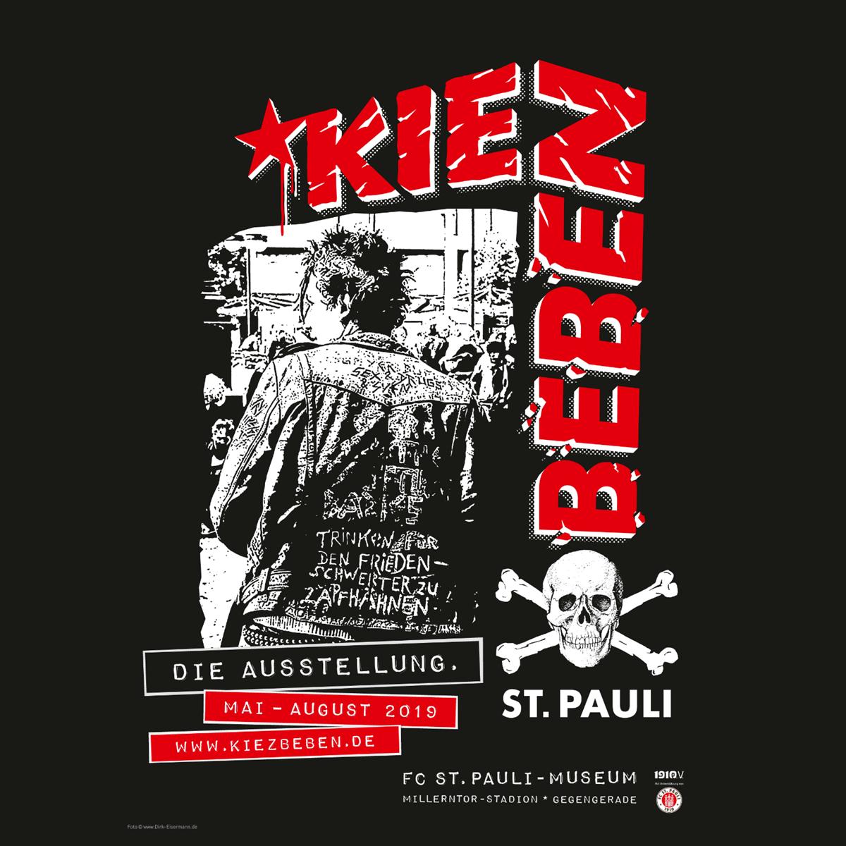 Die Ausstellung KIEZBEBEN ist noch bis 5. Oktober im FC St. Pauli-Museum in der Gegengerade zu sehen. Öffnungszeiten: Do.+Fr. von 16 bis 22 Uhr, Sa.+So. von 11 bis 19 Uhr.
