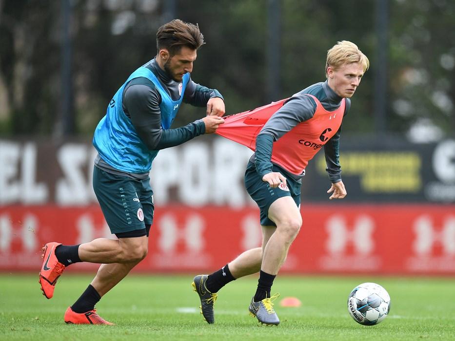 Dimitrios Diamantakos and Mats Møller Dæhli occasionally find themselves on opposite sides in training.
