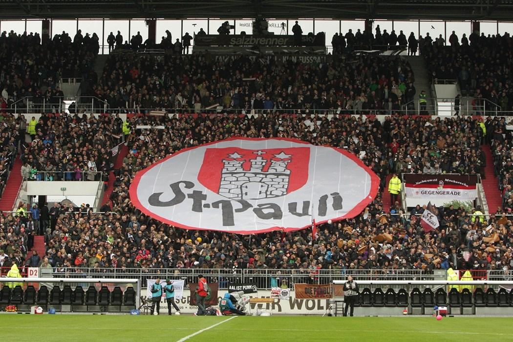 In der Gegengerade des Millerntor-Stadions befindet sich auch das FC St. Pauli-Museum.