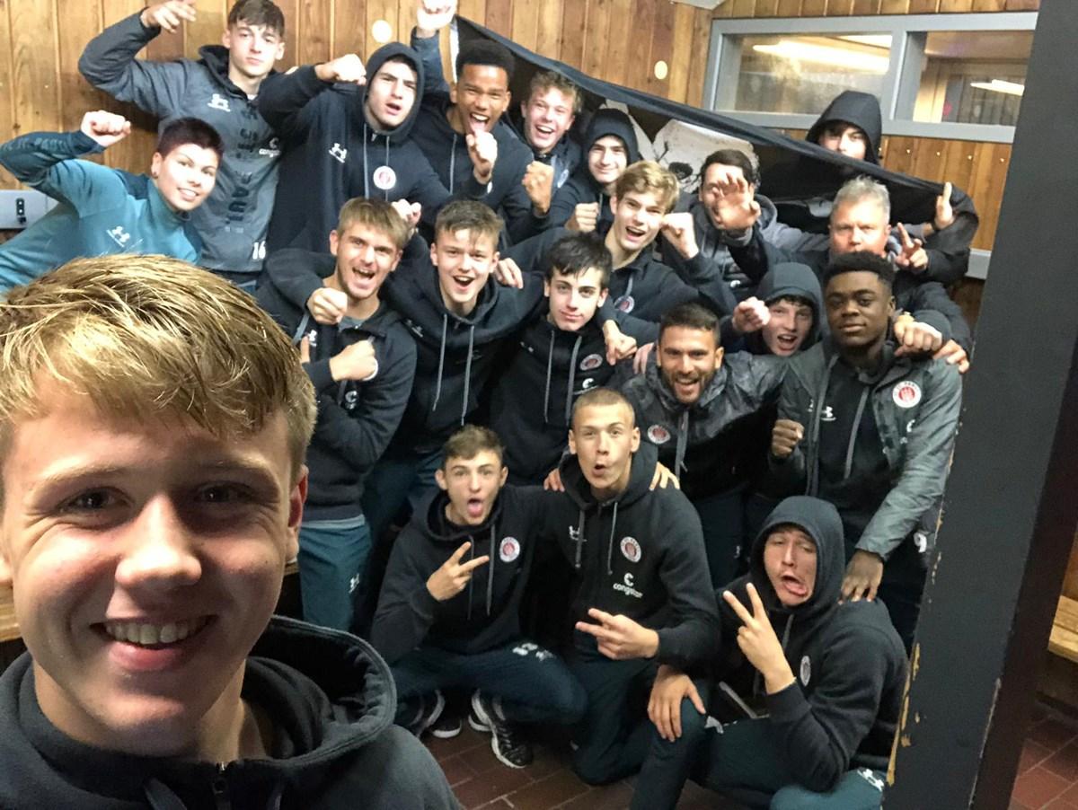 Starker Leistung! Die U16 nimmt als erstes Team überhaupt in diesem Jahr Primus Kiel einen Zähler ab.