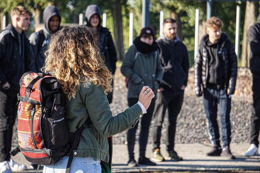 Im Oktober 2019 besichtigten alle Mannschaften von der U16 bis zur U23 die KZ-Gedenkstätte in Neuengamme. Eine Wertevermittlung dieser Art ist im Moment nicht möglich.