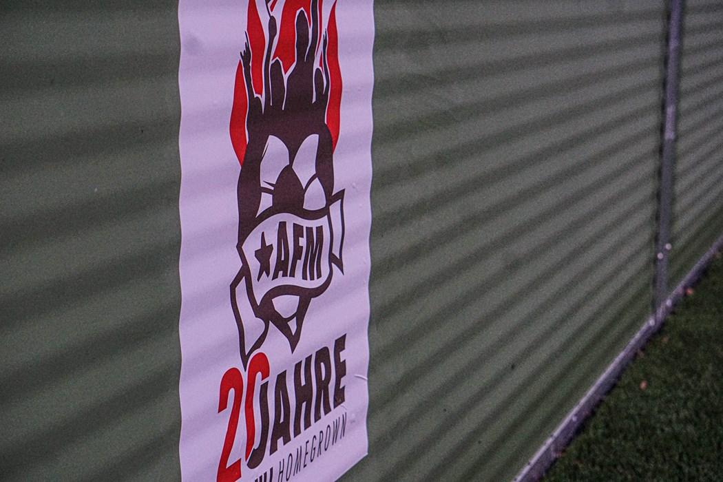 Die Banden des Minispielfeldes wurden mit dem AFM-Logo zum 20-jährigen Bestehen verziert.