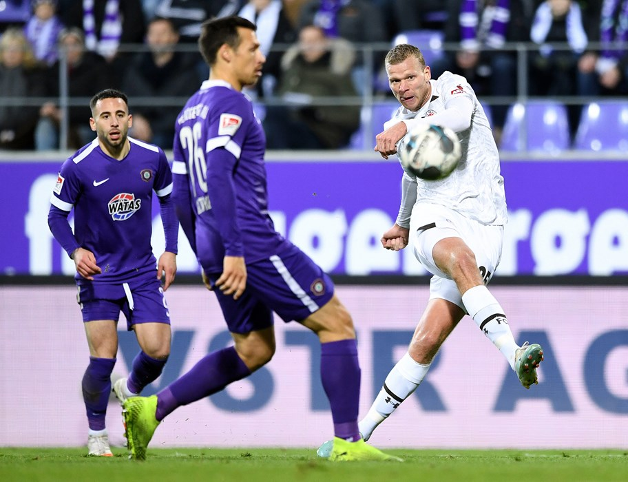 Henk Veerman scores his first league goal in 11 months on his return to the starting lineup.
