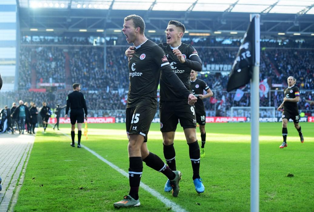 Mit einem Doppelpack und dem Heimsieg gegen Arminia Bielefeld endete 2019 überaus erfolgreich für Henk Veerman.