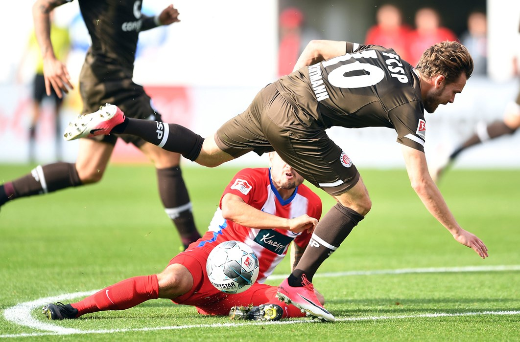Buchtmann picked up his injury in a challenge with Marnon Busch. The Heidenheim player blocked his shot, causing his MCL to tear.
