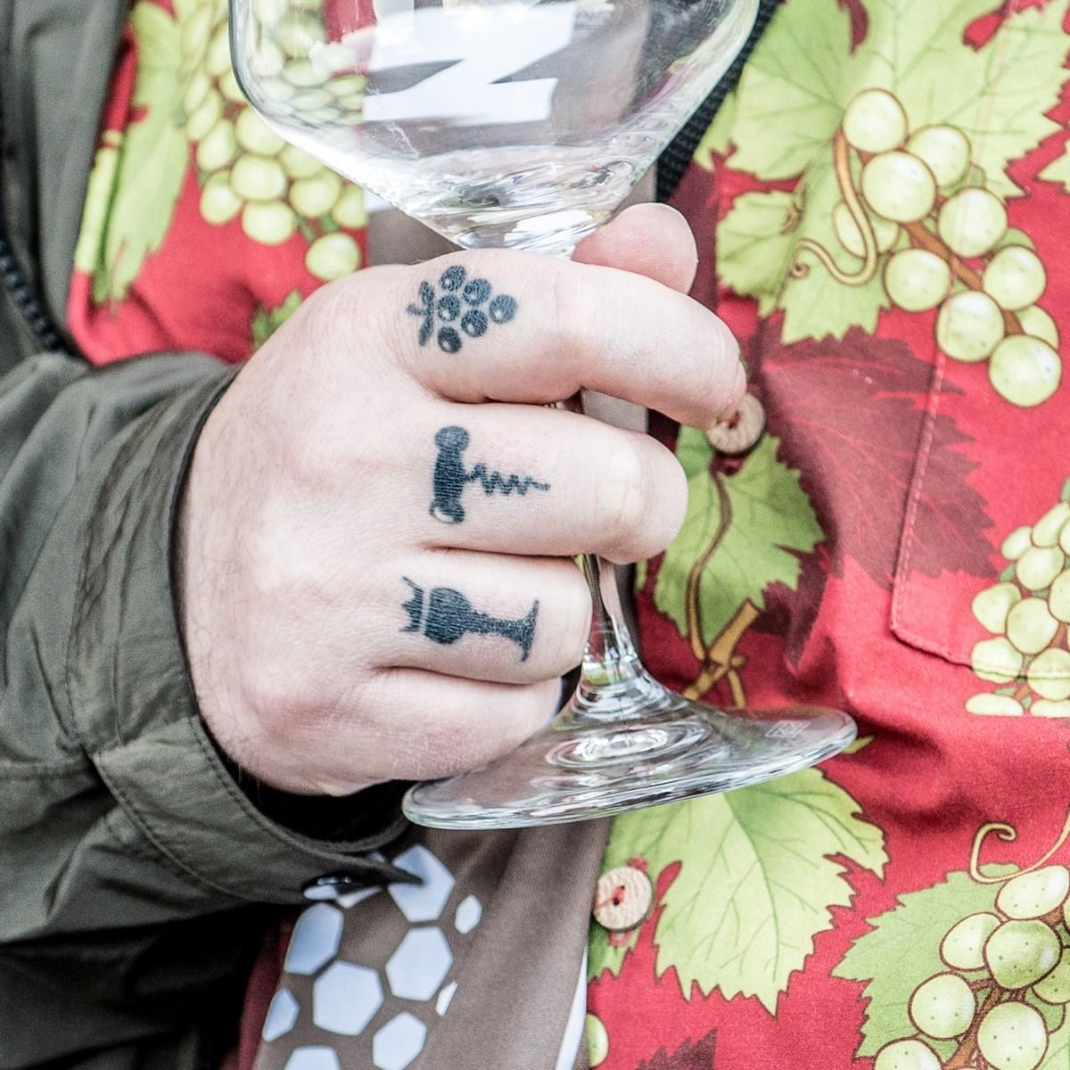 Beim WEINBEBEN am Donnerstag (20.2.) könnt Ihr tolle neue Weine kennenlernen – und die KIEZBEBEN-2.0-Ausstellung erleben!