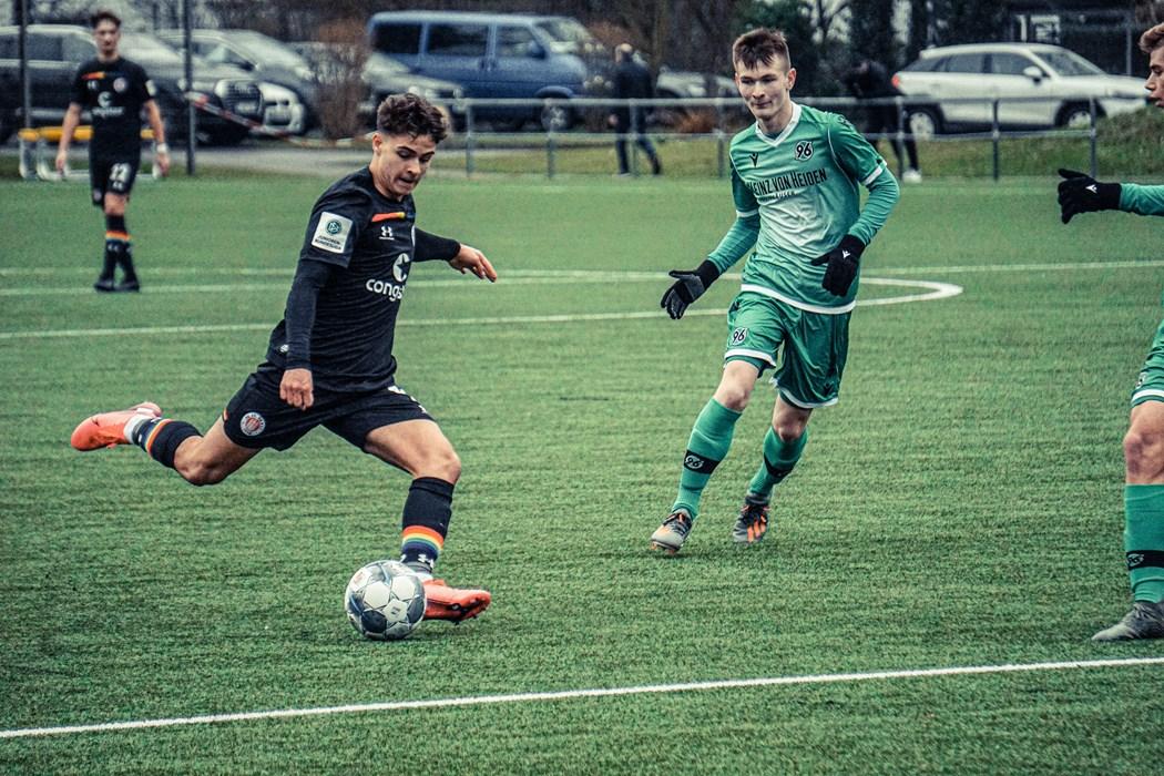 Drei Spiele sind Luis Steiger Borrero und die U17 ungeschlagen - in Braunschweig soll die vierte Partie hinzukommen.