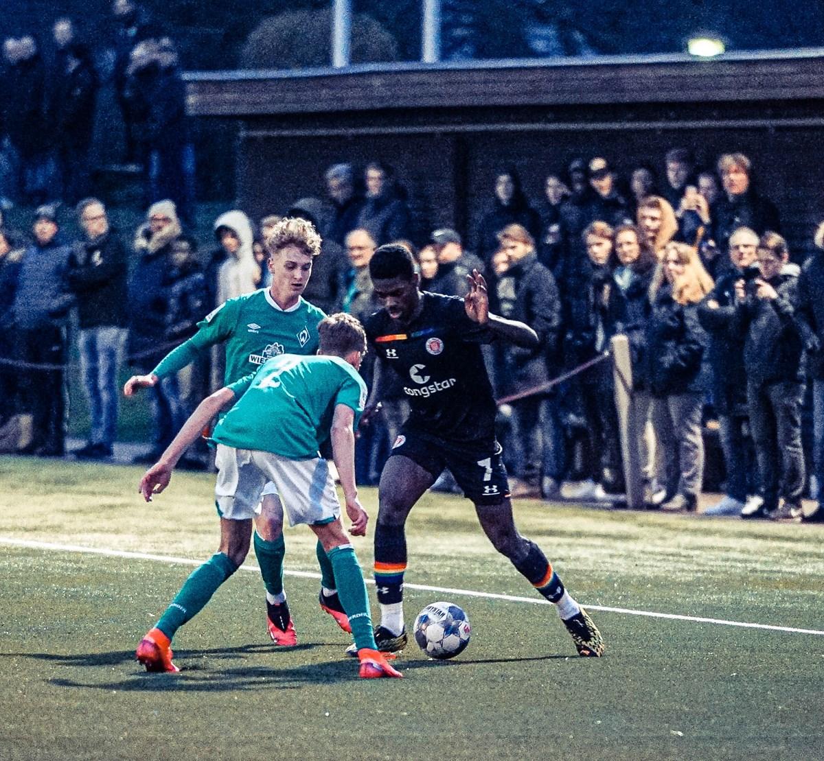 Nach der 0:1-Niederlage gegen Bremen: U17 will die Englische Woche mit einem Sieg abschließen.