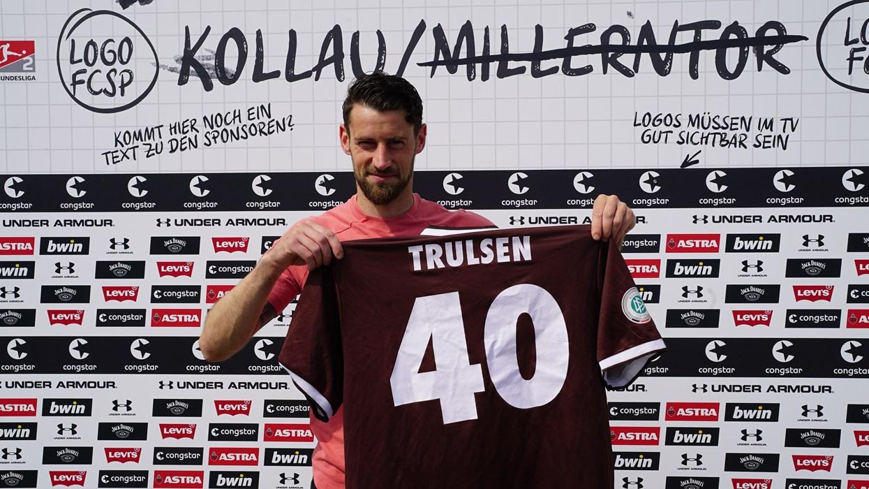 Ein Highlight von vielen - das Trikot von André Trulsen aus der Regionalliga-Saison 2004/05. Das Trikot hatte Truller in seinem letzten Spiel als Spieler im Heimspiel gegen Uerdingen am 28.5.2005 getragen.