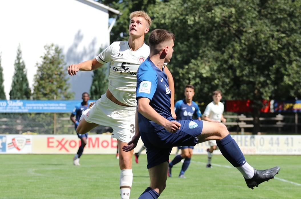 """Nach der guten Vorbereitung startet für Tom Rothe & Co die U17-Bundesliga-Saison mit einem Stadtderby gegen die """"Rothosen""""."""