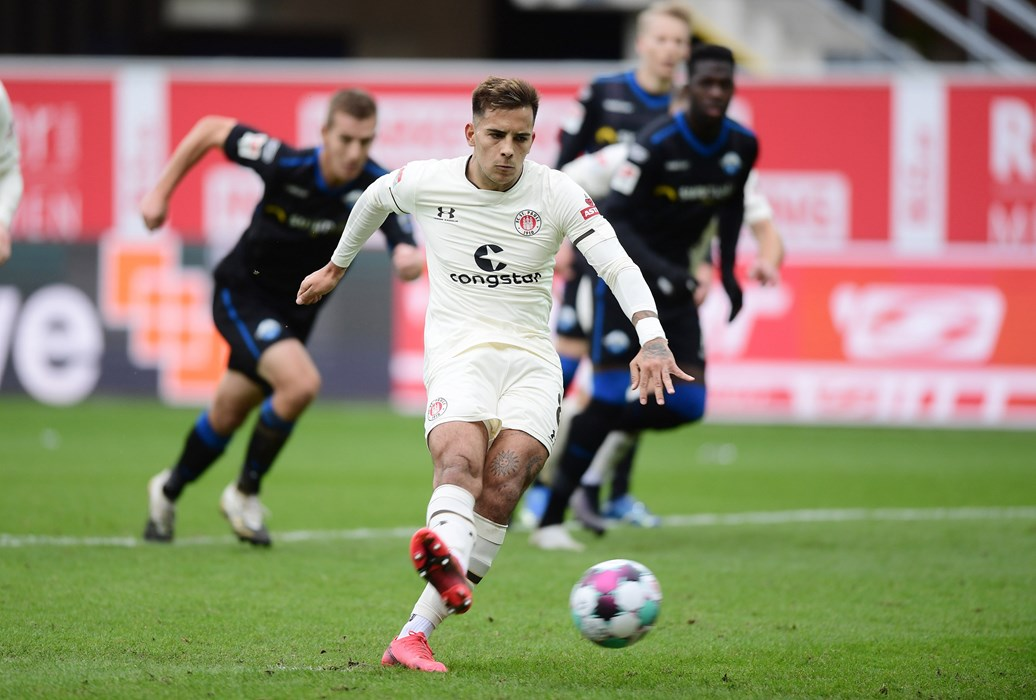 After scoring from the spot against Nürnberg and Darmstadt, Rodrigo Zalazar was denied by Paderborn's Leopold Zingerle today.